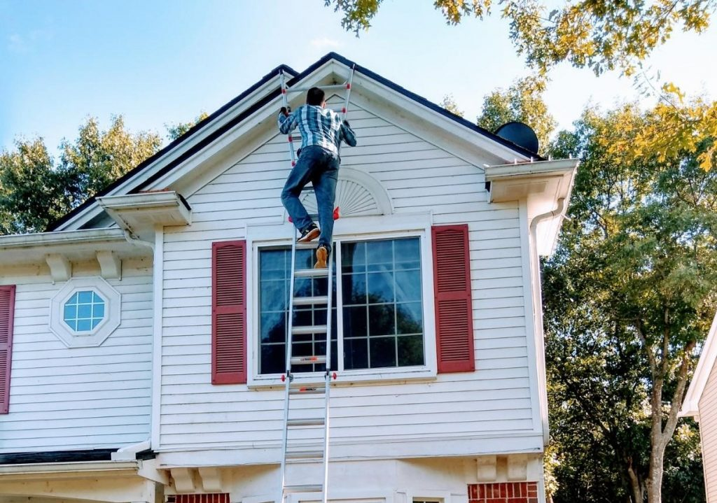 Best Ladders for Gutter Cleaning