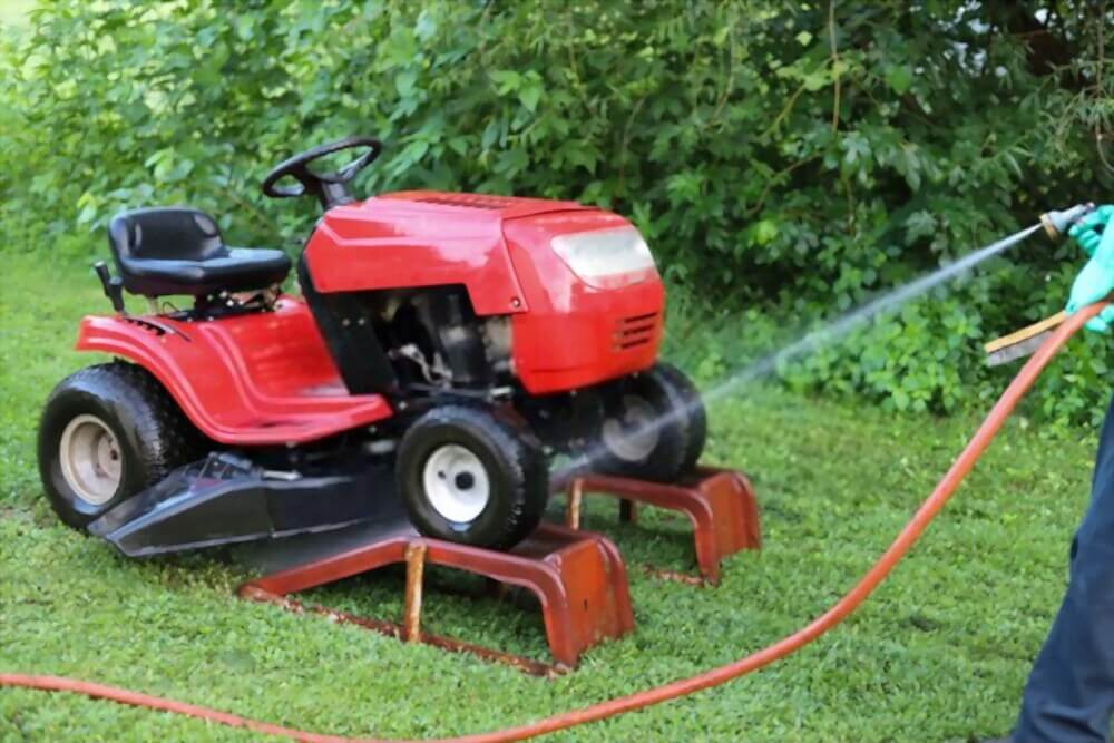 How Do You Prepare a Lawn Mower for Winter Storage