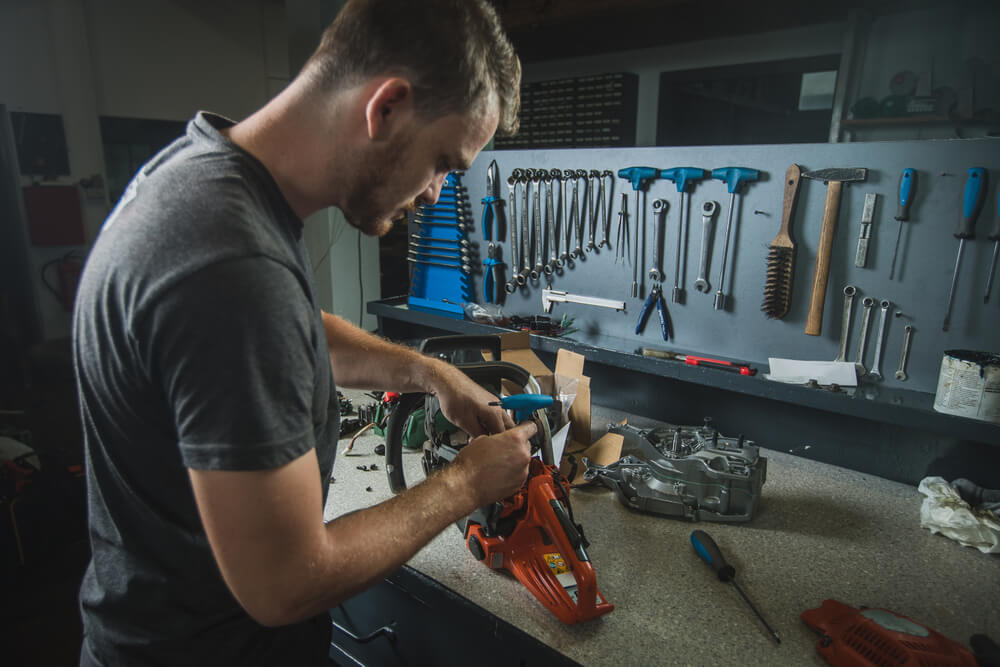 Proper Maintenance of the Chainsaw